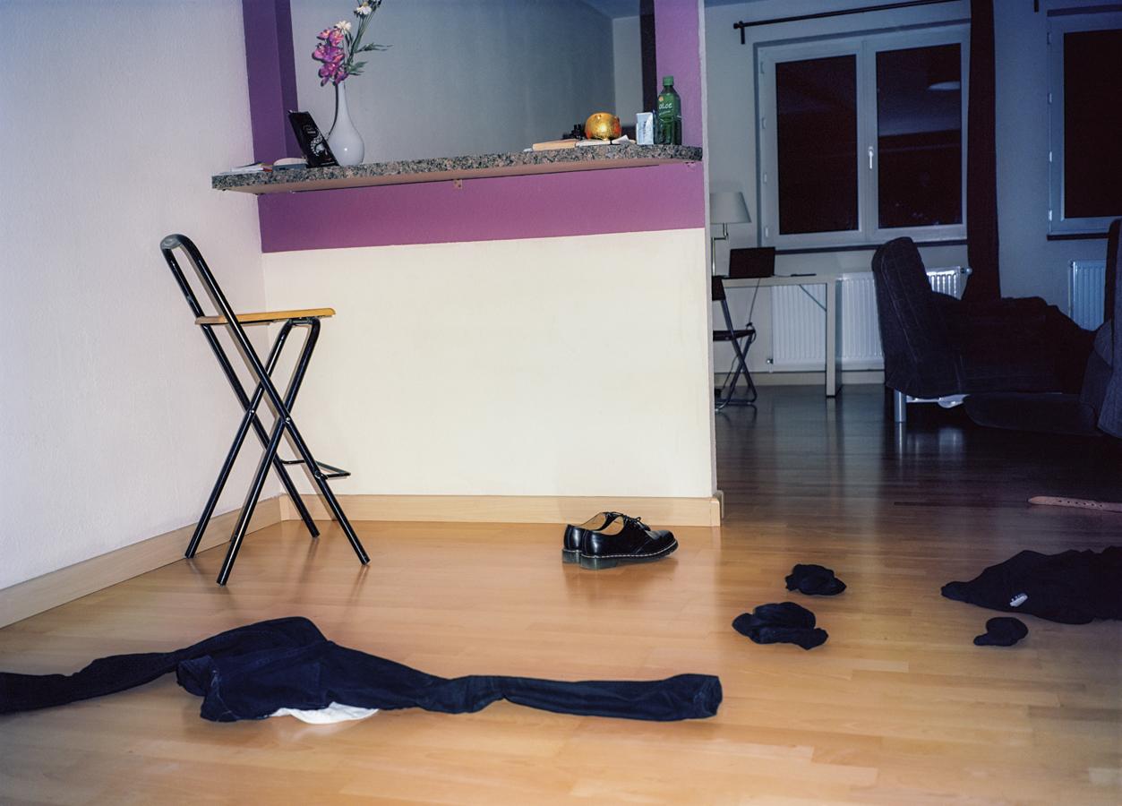 clothesonfloor